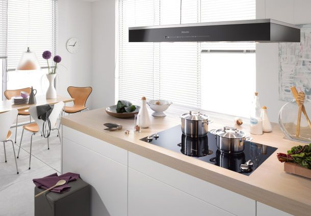 zehn dunstabzugshauben zum staunen. Black Bedroom Furniture Sets. Home Design Ideas