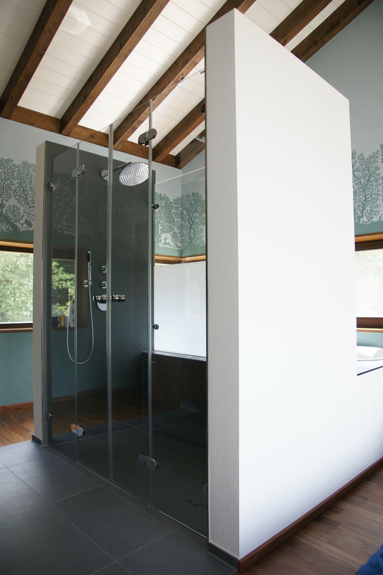 Dusche Unter Dem Dach : Mintgr?nes Bad unter dem Dach – bauemotion.de