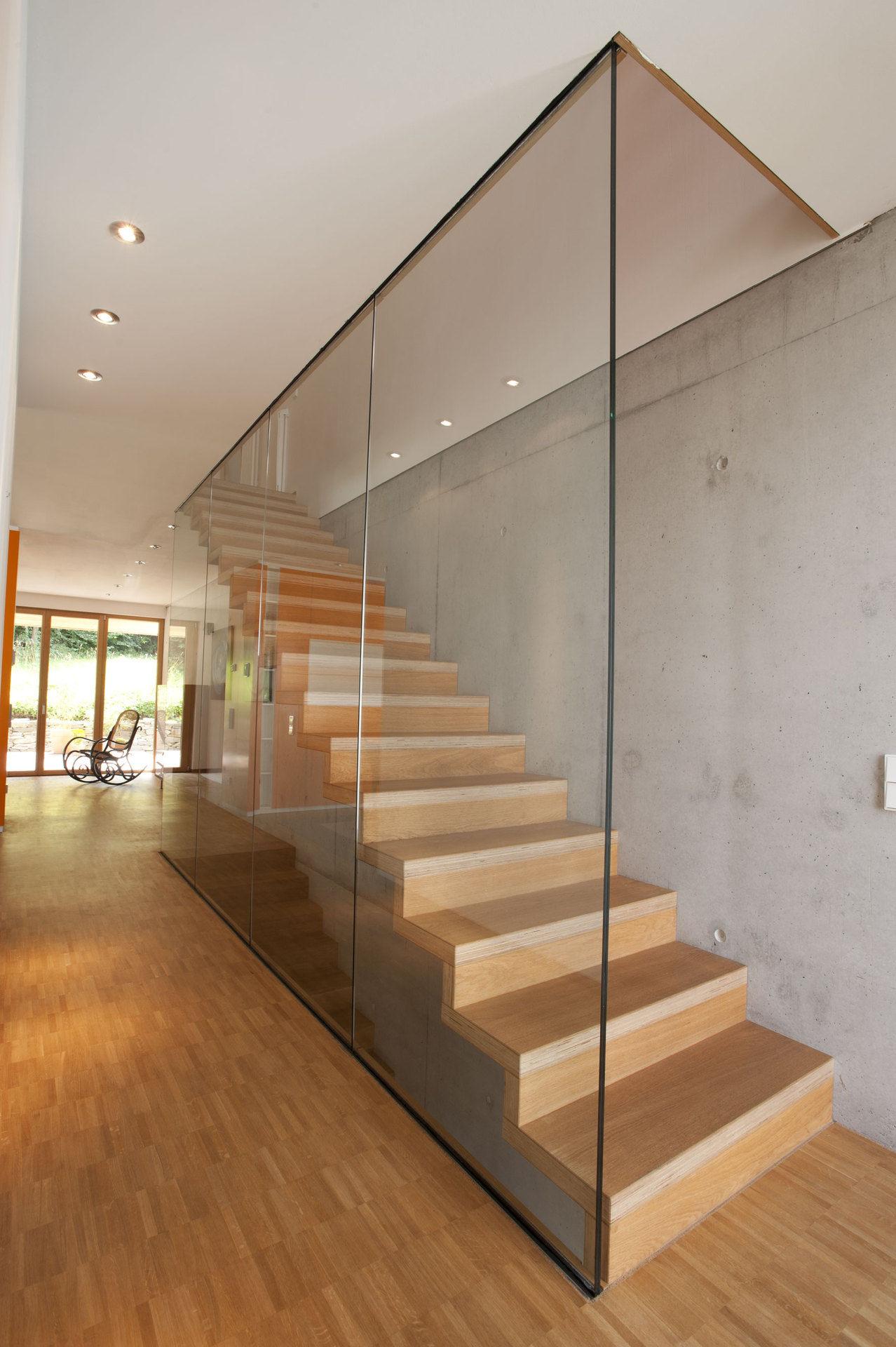 Faltwerktreppe Aus Holz In Modernem Treppenhaus Bauemotion De