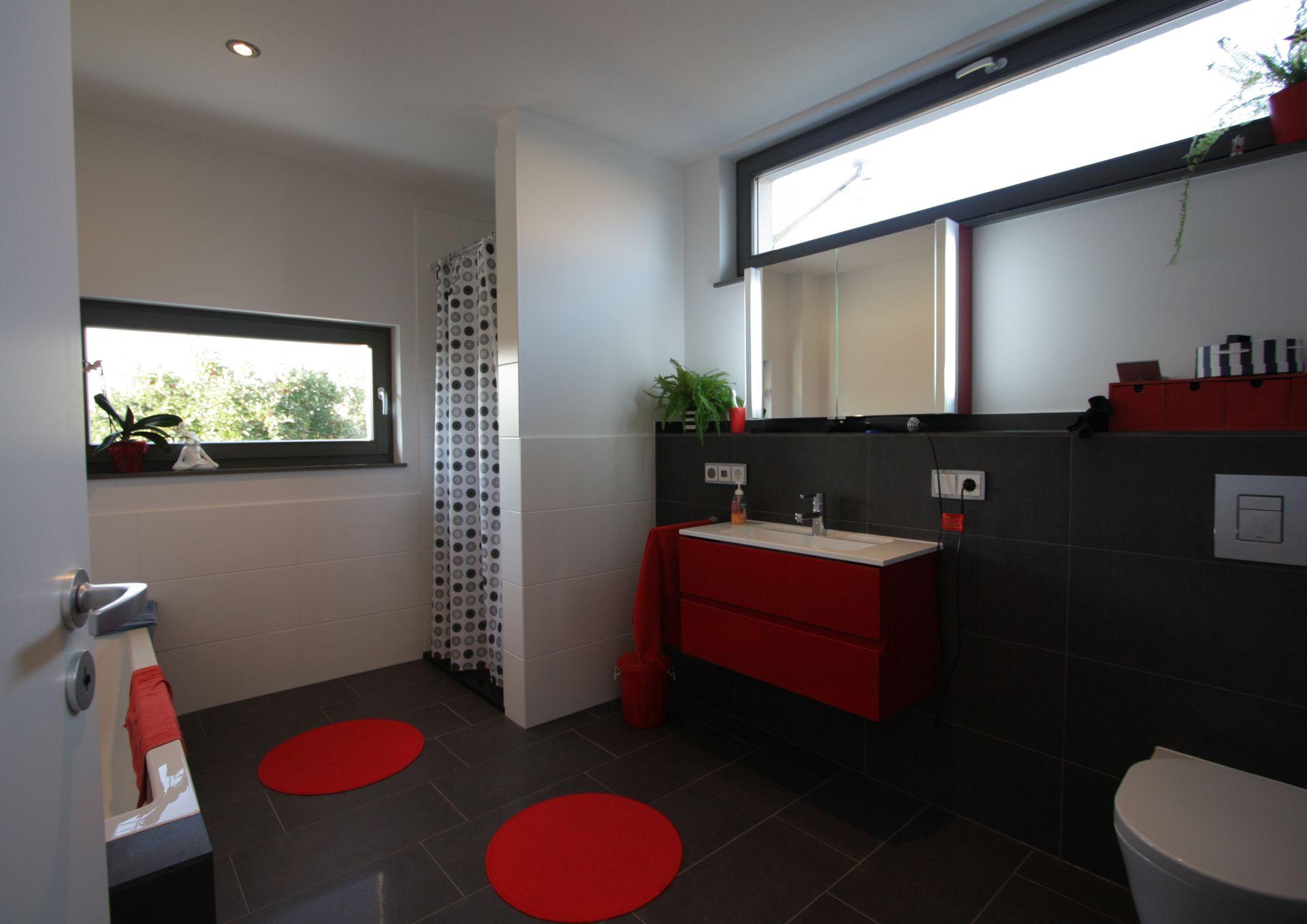 helles badezimmer in harmonischen farben. Black Bedroom Furniture Sets. Home Design Ideas