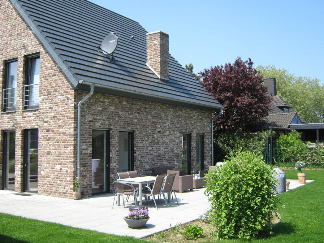 Klassisch und freundlich terrasse am einfamilienhaus for Einfamilienhaus klassisch