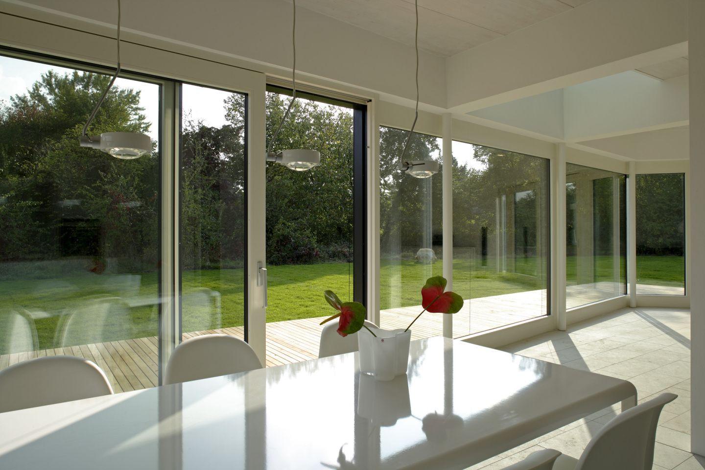 Sachlich klare esszimmer gestaltung for Gestaltung esszimmer