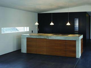 k che mit monolithischem k chenblock. Black Bedroom Furniture Sets. Home Design Ideas