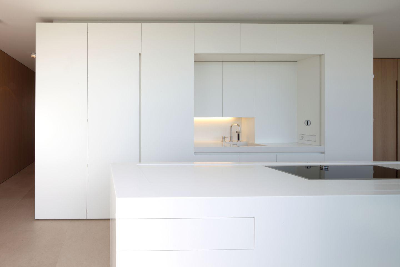 helle k che mit tiefer arbeitsplatte. Black Bedroom Furniture Sets. Home Design Ideas
