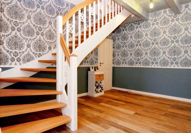 treppengel nder worauf bei der wahl zu achten ist. Black Bedroom Furniture Sets. Home Design Ideas