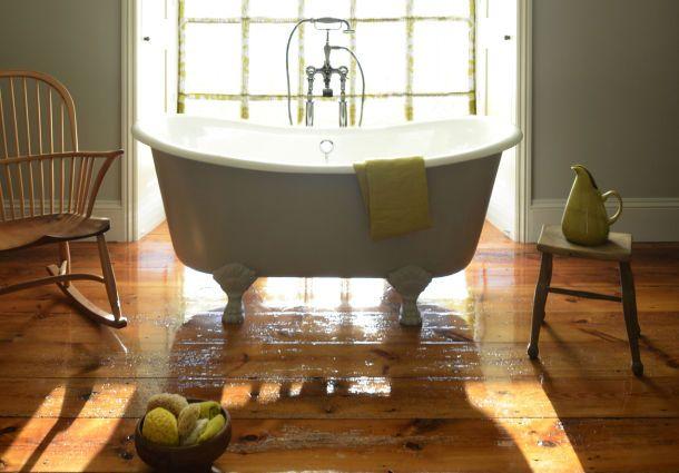 Holzboden im Bad: 10 Tipps zu Auswahl und Pflege - bauemotion.de