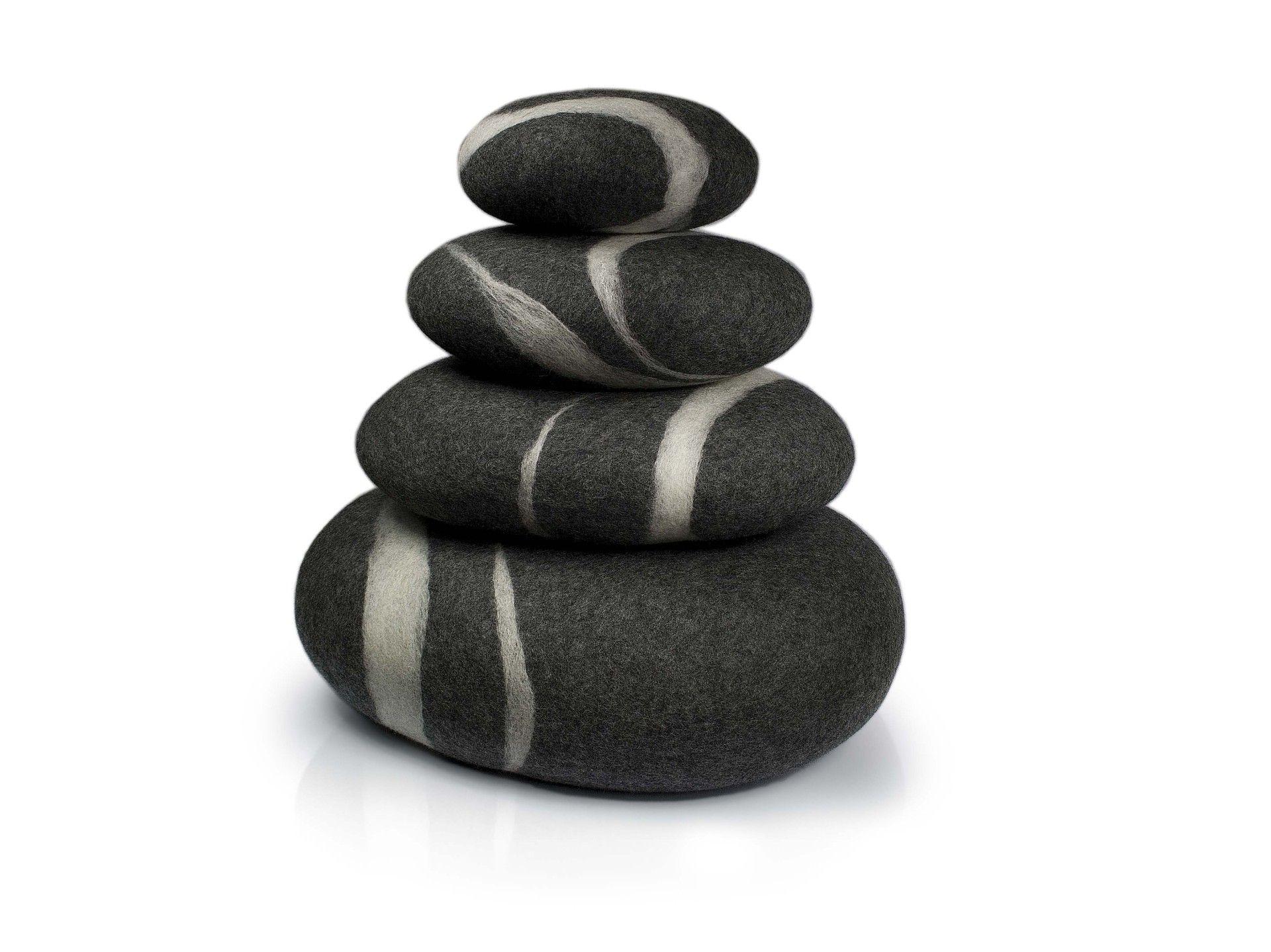 filzkissen von fivetimesone. Black Bedroom Furniture Sets. Home Design Ideas